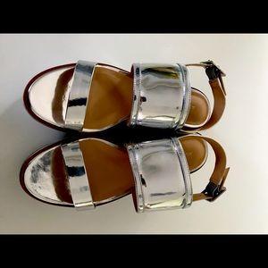 Spectacular Aldo chrome platform sandals